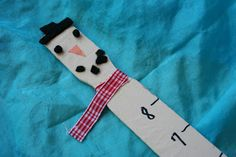 Pink and Green Mama: * Re-Cycled Paint Stick Snowman Snow Ruler!