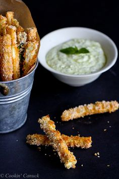 You're going to love these Baked Zucchini Fries with Pesto Yogurt Dipping Sauce. Healthy and absolutely calories and 3 Weight Watchers SmartPoints Bake Zucchini, Zucchini Fries, Veggie Fries, Healthy Appetizers, Healthy Snacks, Healthy Eating, Pesto, Asparagus Dishes, Homemade Crunchwrap Supreme