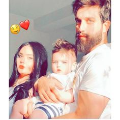 Couple With Baby, Love Couple Photo, Cute Love Couple, Couple Goals Teenagers Pictures, Cute Couples Photos, Cute Couples Goals, Cute Kids Pics, Cute Love Images, Cute Couple Pictures