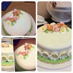 Final Exam Cake I made in the Wilton Course 3 Gum Paste and Fondant Wilton Cakes, Fondant Cakes, Cupcake Cakes, Flower Basket Cake, Cupcakes Design, Wilton Cake Decorating, Gum Paste, How To Make Cake, Candy