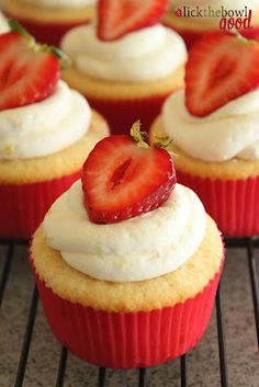 Lick The Bowl Good: Summery Birthday Cupcakes & A Winner! Strawberry lemonade cupcakes!