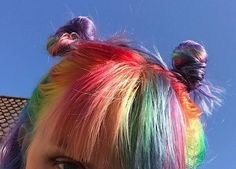rainbow bunz z ~ Aesthetic Hair, Aesthetic Colors, Aesthetic Fashion, Fringe Hairstyles, Cool Hairstyles, Pelo Multicolor, Space Buns, Rainbow Aesthetic, Coloured Hair