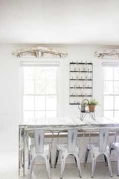 How To Build A 7 Foot Long Super Rustic Farmhouse Table (With Reclaimed Wood) - Plans Included - Video Painting Technique Tutorial - Perfect For Family Gatherings Decor, Table, Rustic Farmhouse Table, Farmhouse Living Room Furniture, French Country Living Room, Diy Furniture Plans, Wood Plans, Woodworking Furniture Plans, Chic Living Room Decor