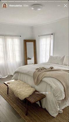 Room Ideas Bedroom, Home Decor Bedroom, Bedroom Inspo, Aesthetic Room Decor, Dream Rooms, My New Room, House Rooms, Room Inspiration, Interior Design