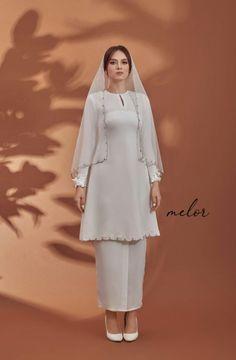 Malay Wedding Dress, Kebaya Wedding, Muslimah Wedding Dress, Hijab Wedding Dresses, Modest Wedding Gowns, Minimal Wedding Dress, Kebaya Dress, Modern Hijab Fashion, Hijab Stile