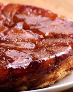 (via Proper Tasty)French-Style Apple Tart (Tarte Tatin) Source (Visited 4 times, 1 visits today) Apple Recipes, Sweet Recipes, Baking Recipes, Hallumi Recipes, Hotdish Recipes, Fancy Recipes, French Dessert Recipes, Lasagna Recipes, Spinach Recipes