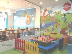 Coffe shop and play area for kids in Madrid
