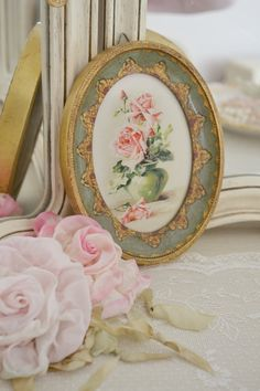 Beautiful Vintage Italian Florentine Frame with Floral Picture~Jennelise~