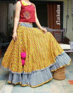 Different types of cotton skirt - Simple Craft Ideas Garba Dress, Navratri Dress, Dress Skirt, Anarkali Dress, Boho Dress, Choli Designs, Blouse Designs, Indian Attire, Indian Wear