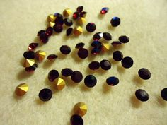 Vintage Glass Round Garnet Red colour rhinestones 4mm Foiled pointed back chatons jewels - 20 pieces by JEDJewellerySupplies.com £2.49
