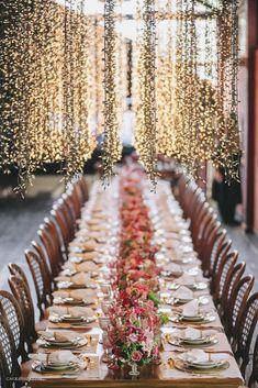 Flores de cerejeira na decoração do casamento - Viviane e Luis Felipe | 2Wed – Topo de bolo e outros detalhes para casamentos.