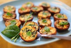 Crustless Zucchini and Basil Mini-Quiches. Make these ahead and you have a great breakfast-on-the-go. Also wonderful for brunch. Breakfast And Brunch, Breakfast Bites, Make Ahead Breakfast, Breakfast Recipes, Breakfast Quiche, Brunch Food, Breakfast Healthy, Mini Quiches, Make Ahead Meals
