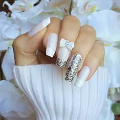 Gorgeous glitter bow nails ✿⊱╮
