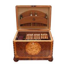 Amazon.com: JR Quality Humidor - Baroque-style Humidor - Holds 100-150 cigars - Includes electronic humidity system - (16.5 x 12.6 x 15.1'): Health & Personal Care