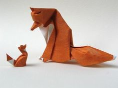 Origami: Paper fox family - makes me want to learn oragami. And adopt a fox. Diy Origami, Origami Fox, Origami And Kirigami, Origami Paper Art, Diy Paper, Oragami, Origami Ball, Origami Tutorial, Origami Rhino