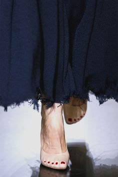 Stilettos trampantojo en color carne, simulando un pie desnudo, y con pedicura incluida.