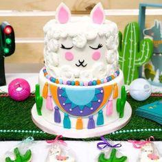 Festive Llama Birthday Party - Birthday Party Ideas for Kids and Adults Llama Birthday, Birthday Cake Girls, Girl Birthday Party Themes, Geek Birthday, Birthday Ideas, Birthday Party Decorations, Birthday Parties, Little Girl Cakes, Pear And Almond Cake
