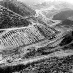 Grading Dead Horse Canyon for a new housing development, Glendale, 1963. Glendale Central Public Library. San Fernando Valley History Digital Library.