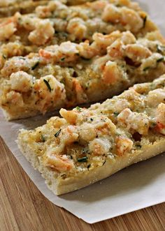 For out last get together I made this delicious Cheesy Shrimp Ciabatta. This is an appetizer that shrimp fans will love. Shrimp Appetizers, Shrimp Dishes, Appetizers For Party, Appetizer Recipes, Fish Recipes, Seafood Recipes, Cooking Recipes, Recipies, Prawn Recipes