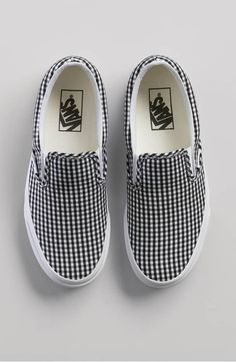 47 Casual Flat Shoes That Will Inspire You This Winter shoes womenshoes footwear shoestrends shoes sneakers Sock Shoes, Shoe Boots, Flat Shoes, Women's Shoes, Shoes Style, Cute Vans, Tenis Vans, Aesthetic Shoes, Hype Shoes