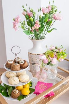 Garden party snacks: http://www.stylemepretty.com/living/2015/05/30/host-a-garden-party/ | Photography: Fashionable Hostess - http://www.fashionablehostess.com/
