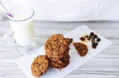 Gluten Free Molasses & Almond Oat Cookies | The Nourished Seedling