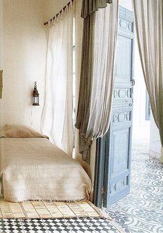 gauzy bedroom / dustjacket attic