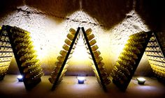 Riddling / Remuage in Pupitres Riddles, Opera House, Champagne, Wall Lights, France, Home Decor, Standing Desks, Homemade Home Decor, Appliques