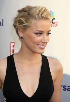 Casual Hairstyles For Women: Perfect Casual Updo Hairstyle From Amber Heard ~ hsloft.com Medium Hairstyles Inspiration