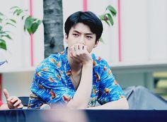 Exo the war fan sign sehun Exo Kokobop, Baekhyun Chanyeol, Kris Wu, Kai, Sehun Cute, Ko Ko Bop, Fan Signs, Exo Korean, Kim Minseok