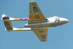 20 September 1943 First flight of the De Havilland Vampire, RAF's first single engine fighter jet (it's second fighter jet) Dornier Do 335, Horten Ho 229, Military Jets, Military Aircraft, Luftwaffe, De Havilland Vampire, Gloster Meteor, War Jet, Jet Engine