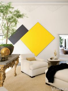 Use Black to Create Eye-Catching Contrasts