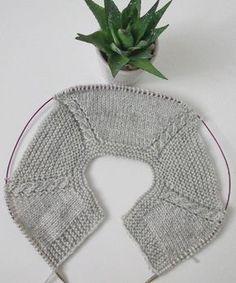 "Terapi niyetine birkaç sıra ördüm Me gusta, 31 comentarios -"", ""A visual idea on how to incorporate cables into top-down sweaters"", ""Ravelry: 4 Baby Knitting Patterns, Knitting For Kids, Knitting Stitches, Crochet Patterns, Knitting Buttonholes, Knitting Needles, Cardigan Bebe, Crochet Baby Cardigan, Crochet Beanie"
