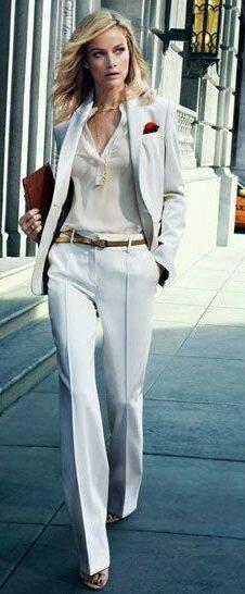 pale blue with cream Massimo Dutti - Fashion Chic style Business Fashion, Office Fashion, Work Fashion, Street Fashion, Business Outfit Frau, Business Attire, Paar Style, News Fashion, Fashion Trends