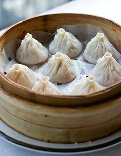 chinese food..dumplings >.