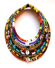 Maasai necklace / cowries wax 9 rows