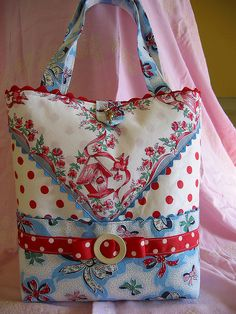 Vintage Hanky bag, love this! Could also use vintage tablecloth. Many ideas for hanky bags here.