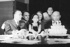 Borges todo el año: Jorge Luis Borges-Adolfo Bioy Casares: El testigo - Foto: Cumpleaños Borges, Bioy, Silvina Ocampo, Marta Bioy y Bioy padre. Sin atibución de fecha ni autor.Fuente y nota Ñ