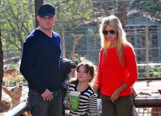 Michael Buble and Luisana Lopilato - Michael Buble at the Zoo