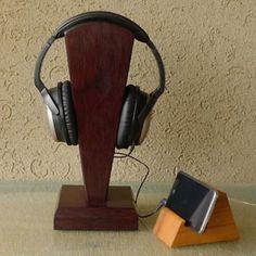 Hoy con el 23% de descuento. Llévalo por solo $212,300.Indonesia la ayuda del soporte de madera maciza de merbau para auriculares de los auriculares.