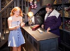 Emma Watson holding hermione's wand in Ollivanders in the wizarding world of harry potter in islnds of adventure by universal studios in orlando in florida in the U. in north America in the world in the universe Harry Potter Hermione Wand, Harry Potter Cast, Harry Potter Love, Harry Potter Universal, Harry Potter World, Harry Potter Theme Park, Hermiones Wand, Robbie Coltrane, Harry Potter Collection