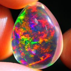 9.05Ct ContraLuz Ethiopian Welo Specimen Crystal Clear Opal