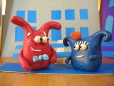 Tanaka the Red Snail explores the meaning of democracy in the land of clay creatures and cardboard houses. Animation by Alex Kudrytski. More information abou. Cardboard Houses, Snail, Piggy Bank, Meant To Be, November, Creatures, Clay, Animation