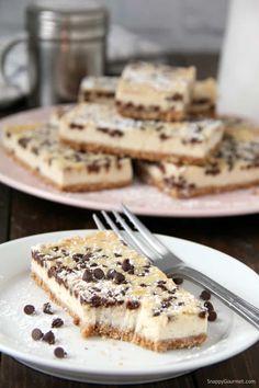 Cannoli Cheesecake Bars, easy Italian cheesecake recipe with mascarpone, ricotta, orange, and chocolate chips. # Easy Recipes for potluck Cannoli Cheesecake Bars (Easy Italian Dessert) - Snappy Gourmet Potluck Desserts, Easy Desserts, Delicious Desserts, Dessert Recipes, Potluck Recipes, Easy Italian Desserts, Bakery Recipes, Gourmet Recipes, Italian Recipes