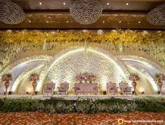 Wedding Reception Entertainment Ideas Pearl Flower For 2019 Reception Stage Decor, Cheap Wedding Decorations, Wedding Reception Backdrop, Wedding Centerpieces, Wedding Receptions, Wedding Entrance, Entrance Decor, Backdrop Decorations, Reception Ideas