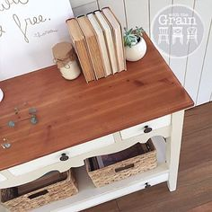 #forsale Oregon #halltable in Old Ochre and Old White with top finished with #scandinavianoil {$285} local pick up #Brisbane #qld #queensland #womenwhodiy #chalkpaint #anniesloanchalkpaint #ascp #paintedfurniture #restoredfurniture #vintage #vintagefurniture