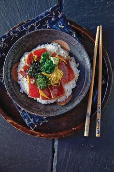 Japanese-style tuna makes an elegant and surprisingly #SimpleWeeknightMeal served with rice, nori, and pickled ginger.