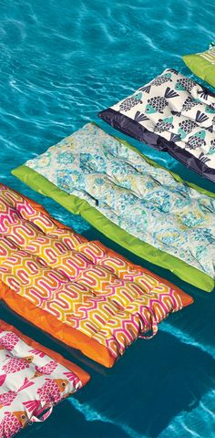 Consider our fabric-covered Suzanne Pool Float your personal paradise. High-performance designer fabric eliminates uncomfortable sticking, and float is filled with polystyrene beads for a perfect fit that comforts and conforms.