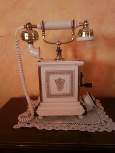 Teléfono 008