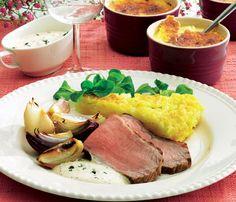 Lækker mad til weekenden kalvesteg med sennepssovs og en skøn creme brulée til dessert.